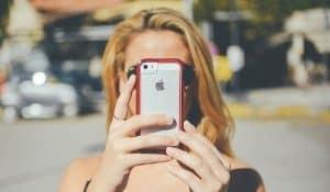 girl iphone